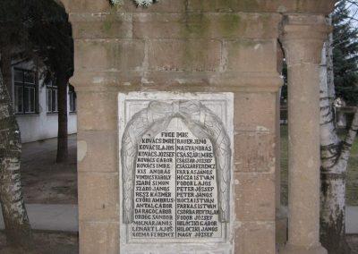 Bogács I.vh.emlékmű.2007.03.09. küldő-Kályhás (1)