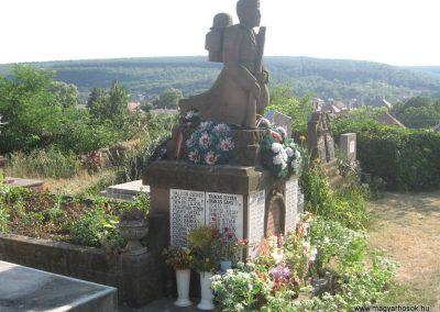 Bogács II.vh emlékmű 2009.07.25 küldő-kalyhas (4)