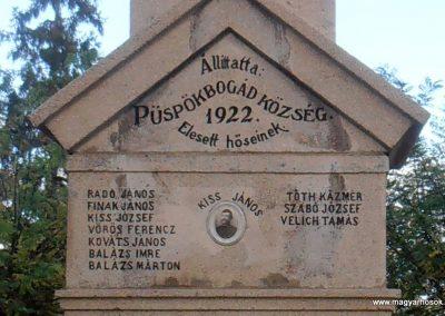Bogád világháborús emlékmű felújítás után 2013.11.03. küldő-Bagoly András (1)