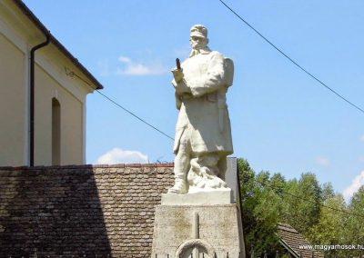 Bogyiszló I. világháborús emlékmű 2014.07.13. küldő-Méri (1)