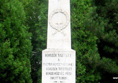 Bokod világháborús emlékmű 2008.07.04. küldő-Kályhás (3)