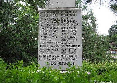 Bokod világháborús emlékmű 2008.07.04.küldő-Kályhás (3)