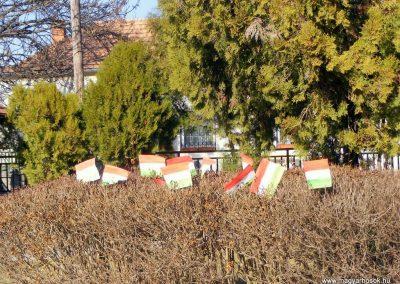 Bokod világháborús emlékmű megemlékezés után 2012.03.16. küldő-Méri (2)