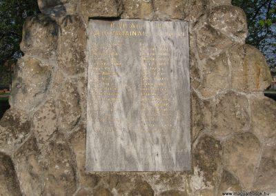 Boldog világháborús emlékmű 2009.04.10.küldő-kalyhas (5)