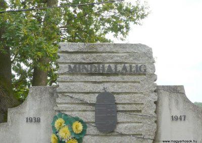 Boldogasszonyfa II.vh emlékmű 2010.08.04. küldő-Sümec (3)