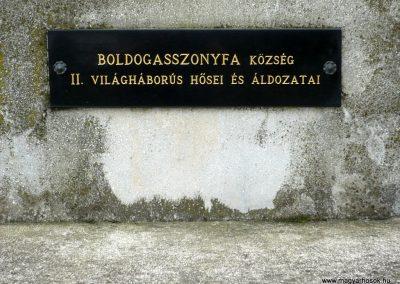Boldogasszonyfa II.vh emlékmű 2010.08.04. küldő-Sümec (4)