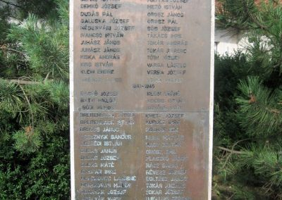Boldogkőújfalu világháborús emlékmű 2010.07.31. küldő-kalyhas (2)