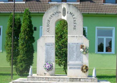 Boldva világháborús emlékmű 2008.08.13. küldő-Tamás2 (4)