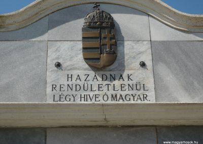 Bolhó világháborús emlékmű 2009.05.08.küldő-Sümec (2)