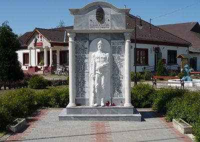 Bolhó világháborús emlékmű 2009.05.08.küldő-Sümec