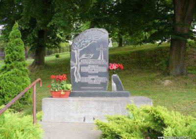 Boncodfölde világháborús emlékmű 2007.06.03. küldő-HunMi