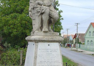 Bonyhád-Majos I.vh emlékmű 2003.10.12. küldő-Pfaff László, Rétság
