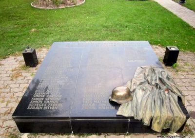 Bordány II.vh emlékmű 2011.08.16. küldő-kalyhas (4)