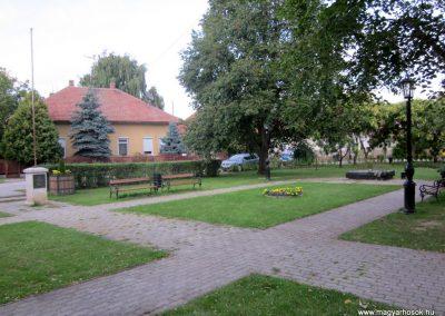 Bordány II.vh emlékmű 2011.08.16. küldő-kalyhas