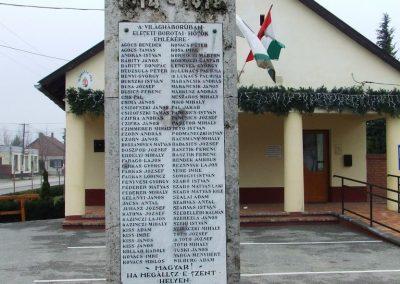Borota I. világháborús emlékmű 2007.12.09. küldő-Markó Péter