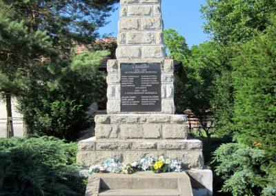 Borsodbóta világháborús emlékmű 2012.06.16. küldő-kalyhas (1)