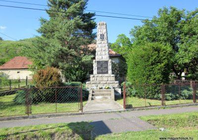 Borsodbóta világháborús emlékmű 2012.06.16. küldő-kalyhas (5)
