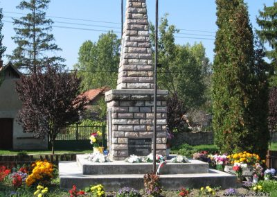 Borsodgeszt világháborús emlékmű 2007.09.24.küldő-Kályhás (1)