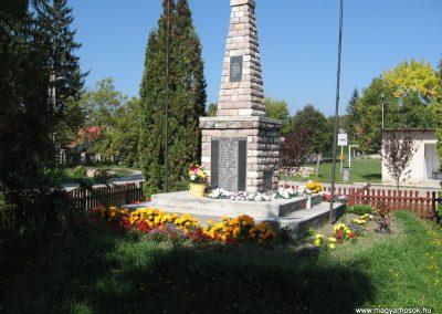 Borsodgeszt világháborús emlékmű 2007.09.24.küldő-Kályhás (2)