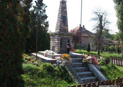 Borsodgeszt világháborús emlékmű 2007.09.24.küldő-Kályhás