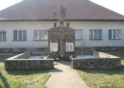 Borsodivánka világháborús emlékmű 2008.02.20. küldő-Kályhás