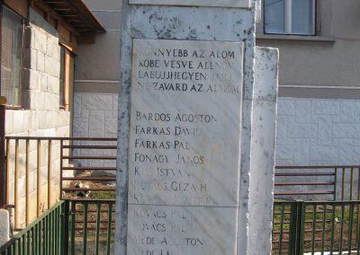 Borsodszentgyörgy világháborús emlékmű 2010.03.08. küldő-kalyhas (6)