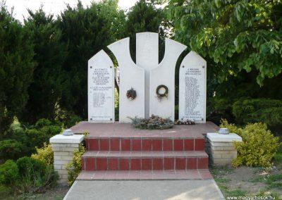 Borsodszirák világháborús emlékmű 2009.05.11.küldő-Gombóc Arthur (4)