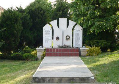 Borsodszirák világháborús emlékmű 2009.05.11.küldő-Gombóc Arthur