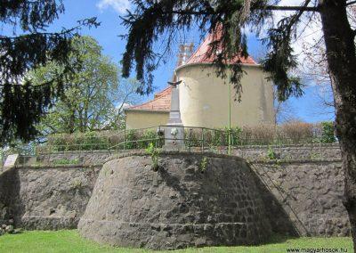 Borsosberény világháborús emlékmű 2012.04.25. küldő-kalyhas (1)