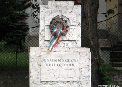 Borzavár világháborús emlékmű 2010.07.24. küldő-kalyhas (2)
