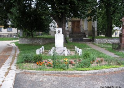 Borzavár világháborús emlékmű 2010.07.24. küldő-kalyhas