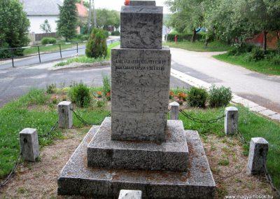 Borzavár világháborús emlékmű 2010.07.24. küldő-kalyhas (5)