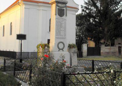 Botykapeterd világháborús emlékmű 2012.08.01. küldő-KRySz