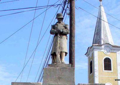 Bozsok világháborús emlékmű 2007.08.25. küldő-HunMi (1)