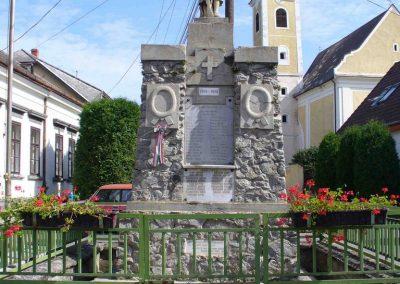 Bozsok világháborús emlékmű 2007.08.25. küldő-HunMi