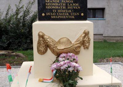 Bozzai I. világháborús emlékmű 2014.10.23. küldő-kalyhas (4)