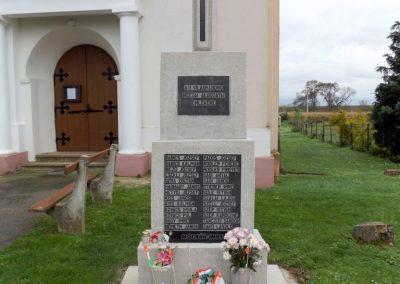 Bozzai II. világháborús emlékmű 2014.10.23. küldő-kalyhas (2)