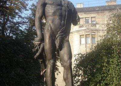 Bp. XI. kerület Műszaki Egyetem hősi emlékmű 2008.10.14. küldő-Huszár Peti (1)