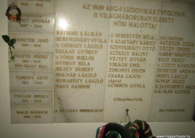 Bp.XI. ker Szent Gellért templom II. világháborús hősök emléktáblái 2008.11.19. küldő-Tiberio (2)