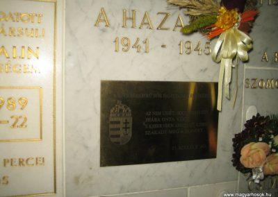 Bp.XI. ker Szent Gellért templom II. világháborús hősök emléktáblái 2008.11.19. küldő-Tiberio (3)