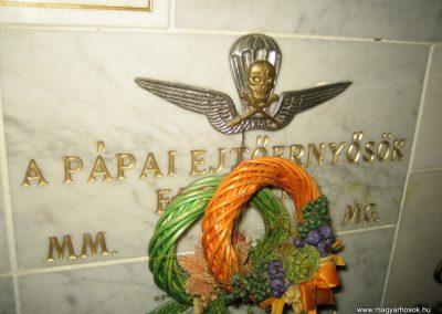 Bp.XI. ker Szent Gellért templom II. világháborús hősök emléktáblái 2008.11.19. küldő-Tiberio (4)