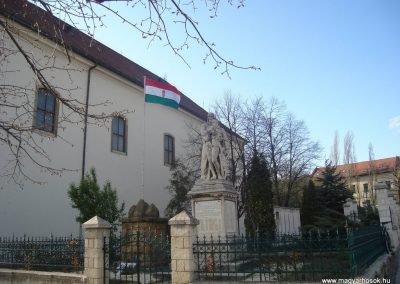 Budaörs- I.vh emlékmű 2008.04.04. küldő-Huszár Peti