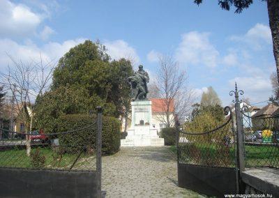 Budakeszi I.vh emlékmű 2008.04.04. küldő-Huszár Peti