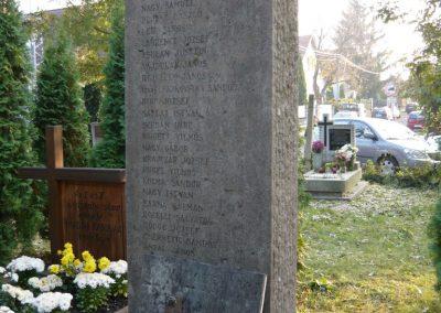 Budakeszi világháborús emlékmű és katonasírok 2009.11.01. küldő-Ágca (3)