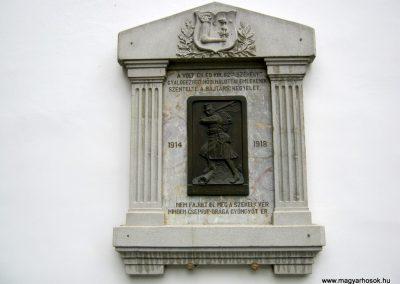 Budapest I. kerület a Hadtörténeti múzeum Díszudvara a Hősök emléktábláival 2018.06.28. küldő-Emese (21)
