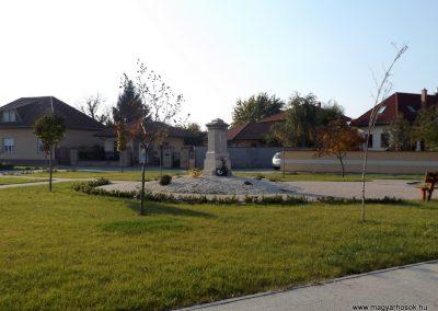 Bugyi világháborús emlékmű 2015.10.31. küldő-kalyhas (12)