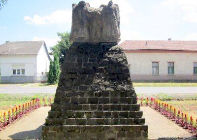 Buj világháborús emlékmű 2014.06.23. küldő-kalyhas (10)