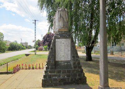 Buj világháborús emlékmű 2014.06.23. küldő-kalyhas (12)