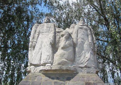 Buj világháborús emlékmű 2014.06.23. küldő-kalyhas (3)