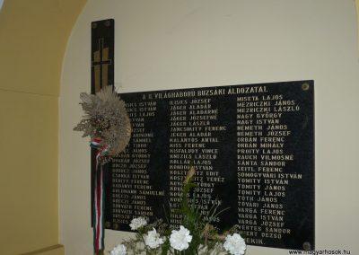 Buzsák II.vh emléktábla 2009.04.21.küldő-Sümec (2)